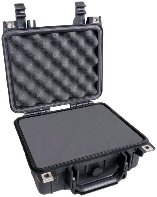 Case Club 1200 case shown open